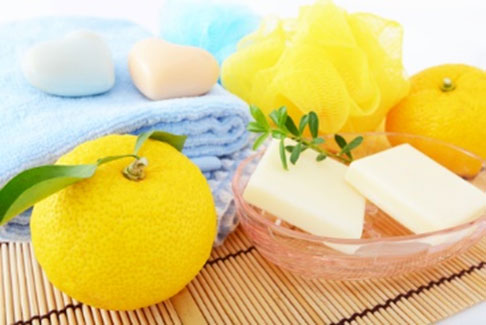 How to keep your bathroom smelling fresh - How to keep a bathroom smelling fresh ...