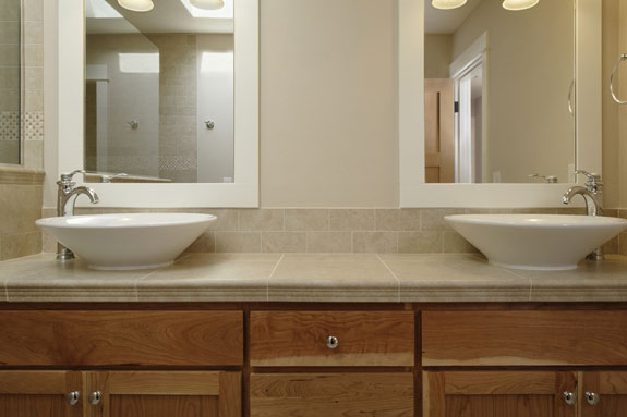 Although Bathroom Sinks Come In A Variety Of Styles, Colors And Materials,  Deciding Between A Pedestal Sink And Vanity Is A Classic Debate.