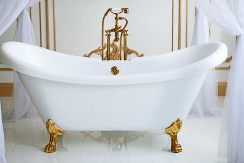 learn about the history of the clawfoot bathtub