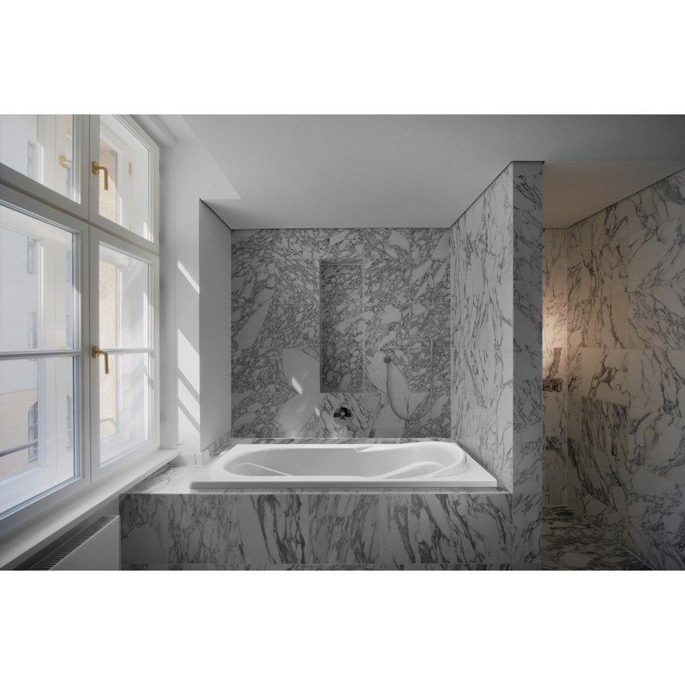 "MTI Reflection 3 Tub (59.75"" x 41.5"" x 22.75"")nohtin Sale $1335.00 SKU: MTDS-50 :"